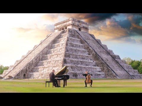 צמד הנגנים המוכשר הזה מפיח חיים במוזיקה הנפלאה של ספר הג'ונגל