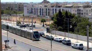 preview picture of video 'Tramway Rabat-Salé vu du parking à étage de Merjane Hay Karima #2'