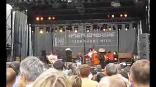 preview picture of video 'Harri Stojka am Fernwärme Wien Open Air 2009'
