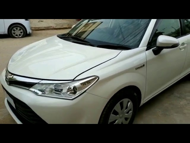 Toyota Corolla Axio Hybrid 1.5 2015 for Sale in Karachi