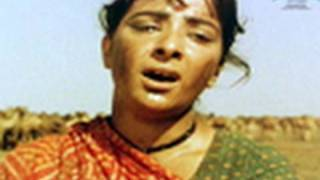 Nagari Nagari Dware Dware (Video Song) | Mother India