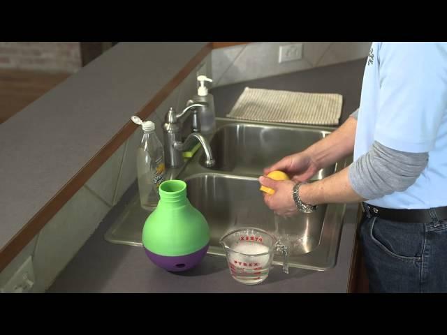 Preview: Treat Dispensing Bob-a-Lot