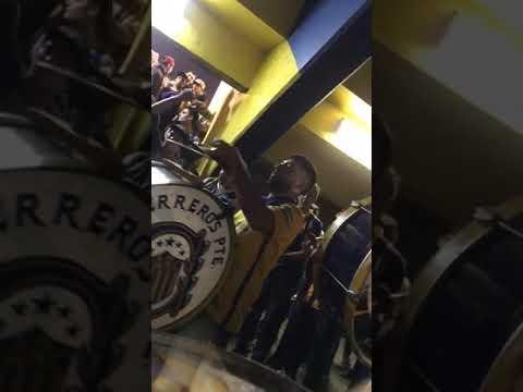 """""""Bombos de Los Guerreros en la previa con las trompetas"""" Barra: Los Guerreros • Club: Rosario Central • País: Argentina"""