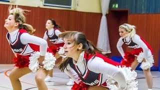 preview picture of video 'Ravers Cheerleaders working out'