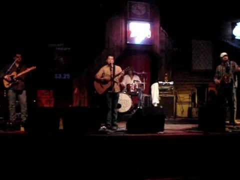 YouTube_-_Bill_Swearingen_on_Drums_playing_at_Midnight_Rodeo_with_Brent_Allen_Band.flv