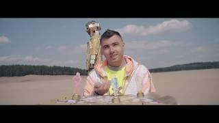 Kadr z teledysku Możemy WIĘCEJ tekst piosenki KAMIL BEDNAREK ft. Matheo/Claysteer