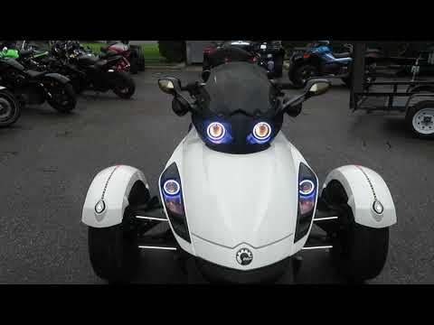 2010 Can-Am Spyder® RS-S SE5 in Sanford, Florida - Video 1