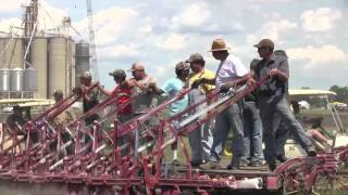 preview picture of video 'National Threshers Reunion Wauseon Ohio, plowing,'