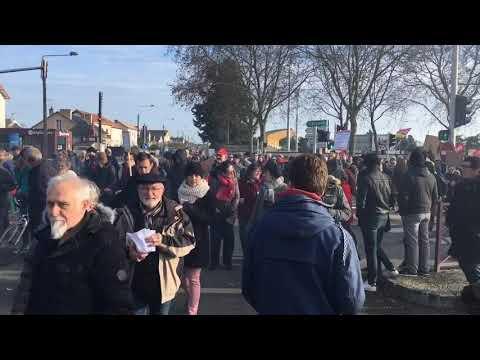 VIDÉO. Poitiers : un long défilé contre les retraites