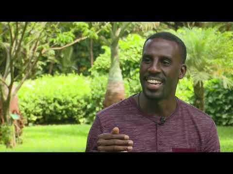 Mwasuze Mutya: Engeri Yoga gyayambamu okutereeza omubiri gwo