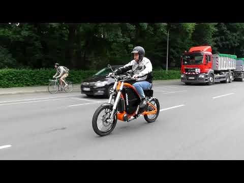 Vídeos de 'eRockit, la nueva moto eléctrica a pedales en la que podrás viajar a 80 km/h'