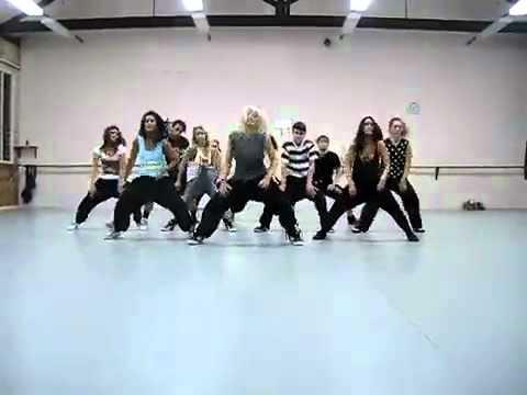 Слаженно ребята танцуют под 'On the Floor'   Jennifer Lopez хореограф Jasmine Meakin HD