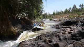 preview picture of video 'White Water Rafting in Kenya.'