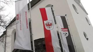 preview picture of video 'Föhn im Dezember - Blick von Freundsberg oberhalb Schwaz'