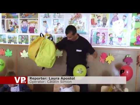 Carrefour oferă elevilor 46.000 de pachete cu rechizite