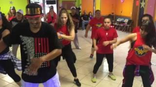 Boom Kumbia Kings Baila con Mire y Los Cholos