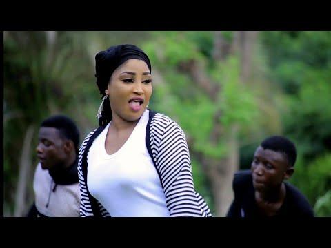 Download Sabuwar Wakar Hausa Ft. Bilkisu Abdullahi (Latest Hausa Music 2019) HD Mp4 3GP Video and MP3