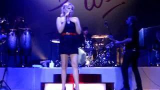 Duffy - Enough Love Live at Wolverhampton 04/12/08