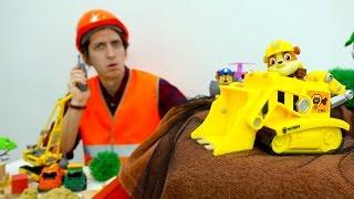 ЩЕНЯЧИЙ ПАТРУЛЬ ОНЛАЙН. Мультик из игрушек. Видео про игрушки (игры про машинки) и СТРОЙКУ 🏗️!