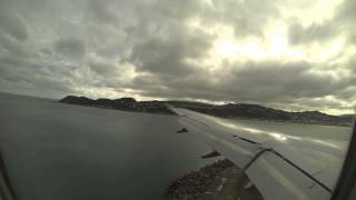preview picture of video 'Approach and landing into Wellington International Airport NZWN GoPro 3'