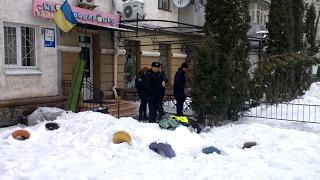На Київській у Житомирі знешкоджують підозрілу сумку, обмежили рух транспорту - Житомир.info