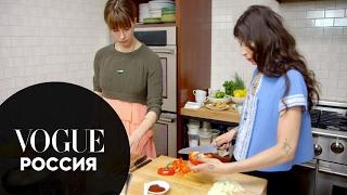 Модные рецепты с Элеттрой Росселлини-Видеманн: вегетарианский чили дизайнера украшений Памелы Лав