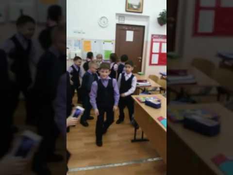 Мы маленькие Дети нам хочется гулять! Перемена в школе, 1Б класс 33 Гимназия город Улан-Удэ