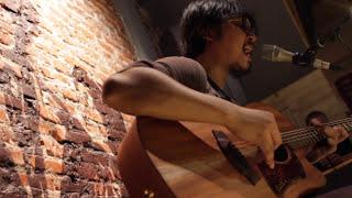 Memilihmu - Adhitia Sofyan Live at Earhouse
