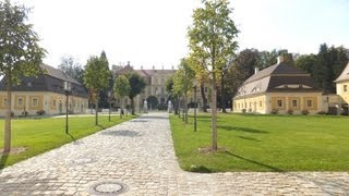 preview picture of video 'Barockschloss Rammenau mit schönem Garten'