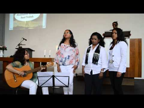 Vocal Group Blessing - Pujilah Tuhan Mp3