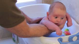 Infant: Everyday Moments - Bathtime