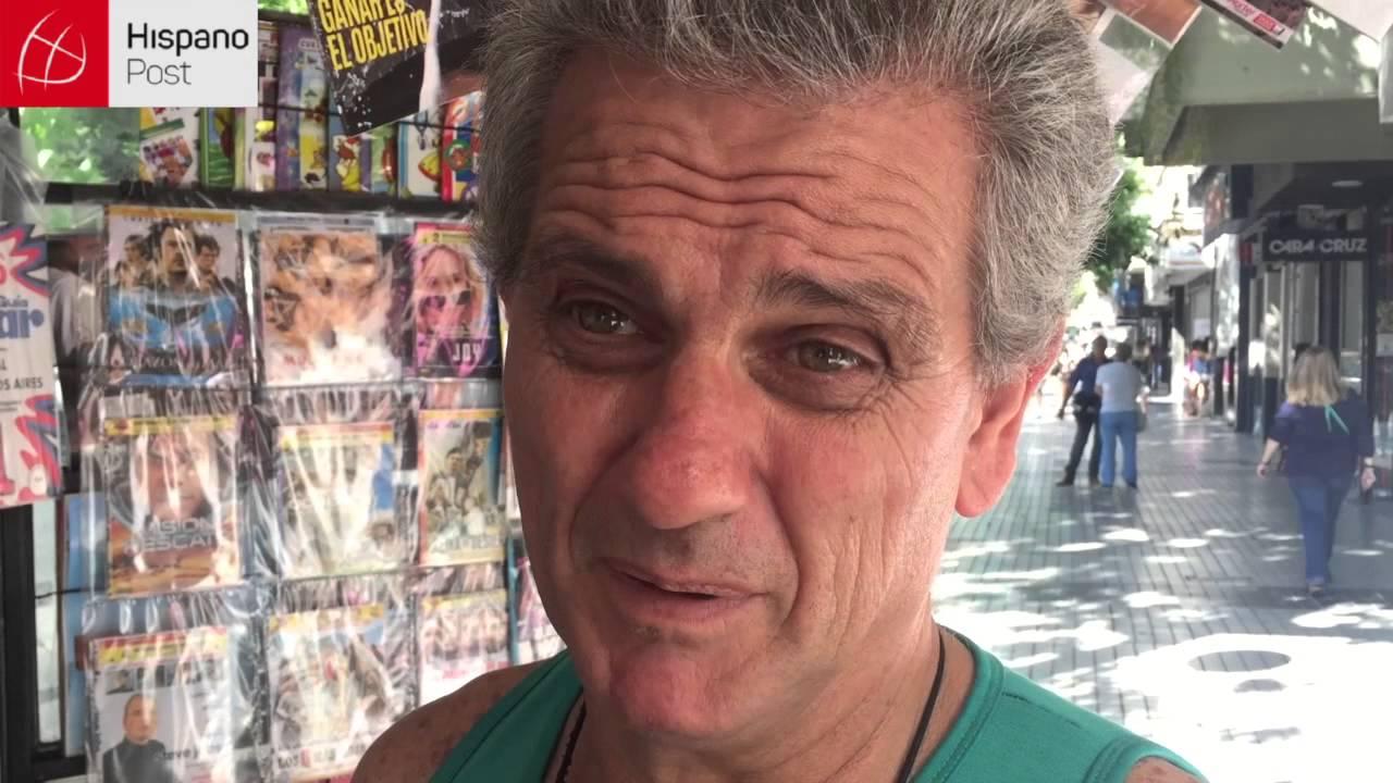 """Vendedores de la calle """"Manteros"""" protestan en Argentina"""