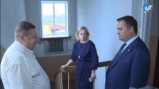 Андрей Никитин провел инспекцию социальных объектов в Любытинском районе