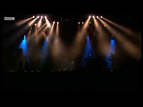 LCD Soundsystem - Tribulations (live at Reading Festival 2010)