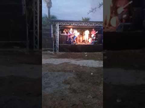 Mulher Cai Do Palco No Show Da Banda Play Way Em Aratuípe