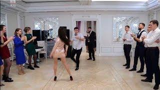 Батл на свадьбе Петра и Кристины. Танцы парней против девушек