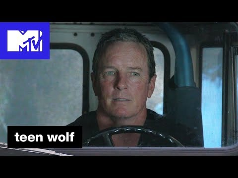 Linden Ashby 'The Roscoe Confessionals' | Teen Wolf (Season 6B) | MTV