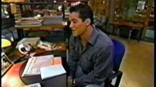 Dean Cain Giving a tour of The Daily Planet