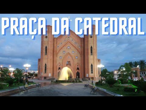 Praa da Catedral de Bom Jesus da Lapa