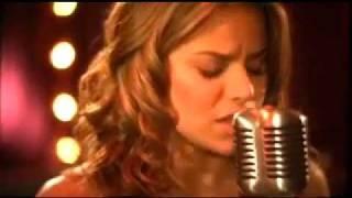 Quiero Que Te Quedes - Adriana Lucia (Video)