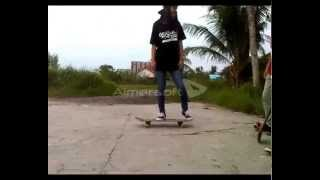 preview picture of video 'PEMANGKAT SKATEBOARDING'