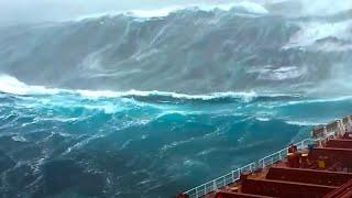 Die Größten Wellen Die Mit Der Kamera Festgehalten Wurden