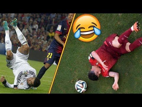 Resbalón de los futbolistas famosos Gerrard, Terry, Cristiano Ronaldo & Mas