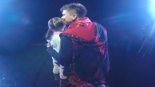 Маленькая девочка довела до слёз весь зал на концерте Elvin Grey