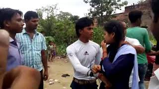 Ladka ladki ko ek sath galat kam krte pakda please dosto video subscribe jarur kr dena please