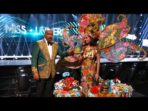 Steve Harvey Flubs Costume Winner of Miss Universe Pageant