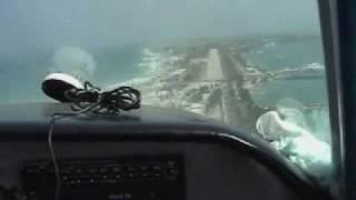 preview picture of video 'Beechcraft Bonanza Isla Mujeres landing'