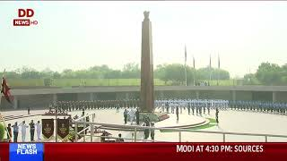 PM Modi also visited the National War Memorial near India Gate