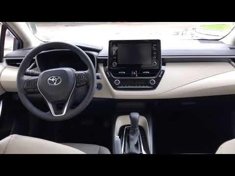 Toyota Corolla Altis: os detalhes do interior do modelo híbrido