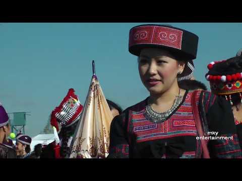 Khuv Xim Tsis Tau Deev  - Nyob Xyoo 2015